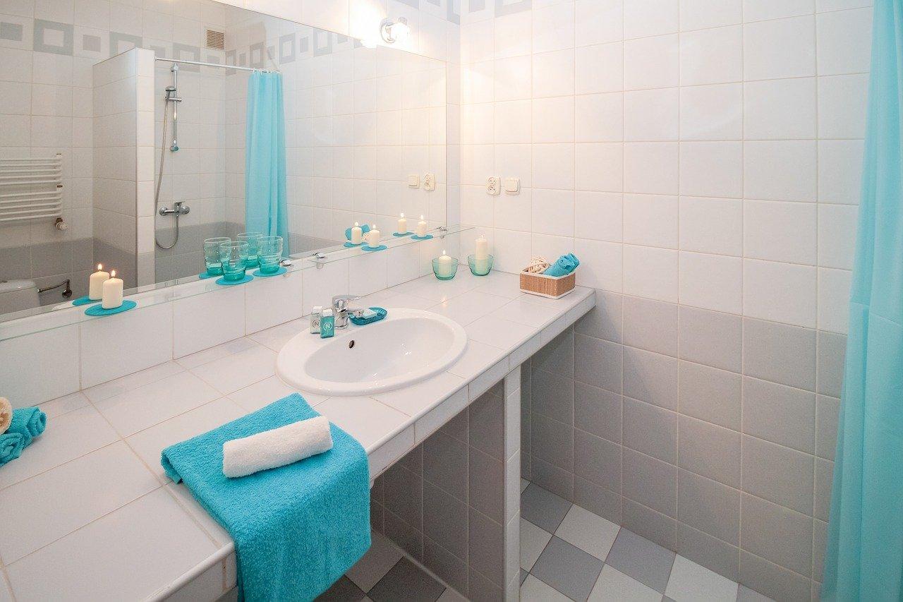 Rénover soi-même sa salle de bain, c'est rentable ?